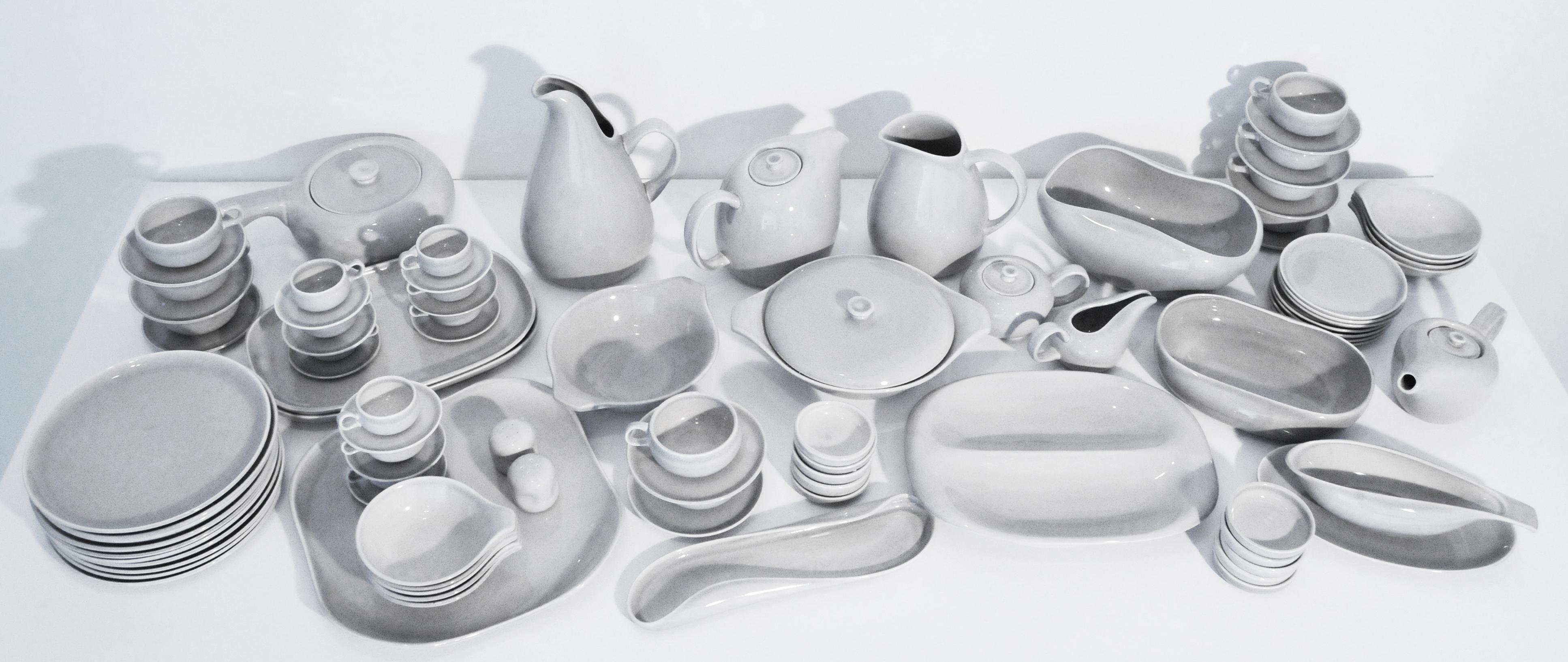 Russel Wright Dishware set in Granite Grey  sc 1 st  Modernist Icon & Russel Wright - American Modern - Granite Grey - Large setting ...